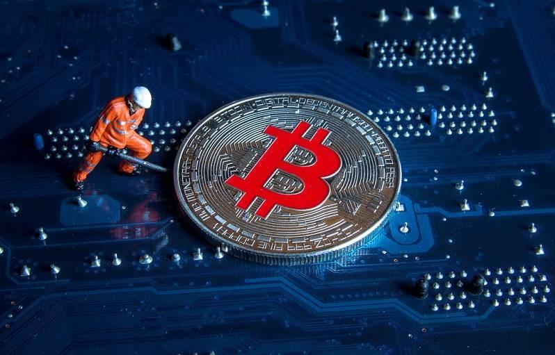 矿工赶在比特币减半前切换网络,比特币全网算力持续上