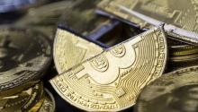 比特币造币速度被下调一半 挖矿商收入减半但有望稳定价格